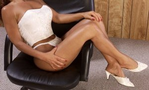 Marie-angelina escort girl in Iron Mountain & nuru massage