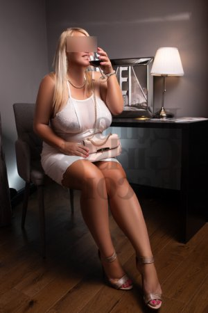 Ajna erotic massage & escort girl