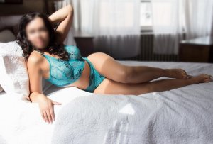 Hanan live escort in Cottonwood Arizona and nuru massage