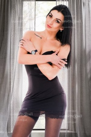 Ceciliane escort girl & nuru massage