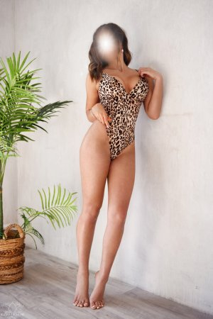 Irmak escort in Richmond Heights OH and tantra massage