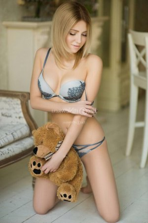 Nastya escort girls and thai massage