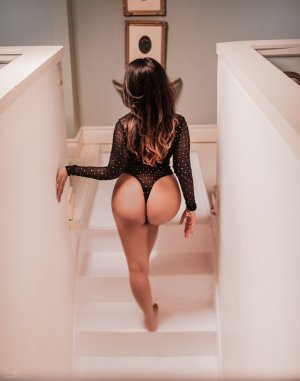 Anne-solène erotic massage & escort