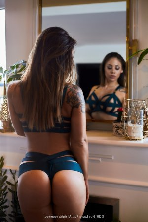Souleima escorts, nuru massage