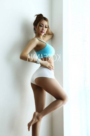Queenie live escort in Kenosha, nuru massage